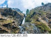 A small waterfall near the village of Tal, Nepal (2018 год). Стоковое фото, фотограф Валерий Смирнов / Фотобанк Лори