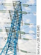 Купить «Мачта линии электропередач (ЛЭП)», фото № 28453841, снято 13 мая 2018 г. (c) Алёшина Оксана / Фотобанк Лори
