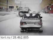 Купить «Автомобиль на зимней дороге», фото № 28462805, снято 12 февраля 2018 г. (c) Александр Сергеевич / Фотобанк Лори