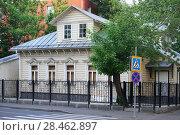 Купить «Москва, 3-й Монетчиковский переулок, дом 9, строение 1», фото № 28462897, снято 6 июня 2015 г. (c) Dmitry29 / Фотобанк Лори
