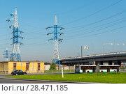 Купить «Мачты линии электро-передач», эксклюзивное фото № 28471185, снято 15 мая 2018 г. (c) Александр Щепин / Фотобанк Лори