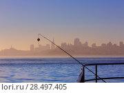 San francisco fog skyline with fishing rod in the mist California USA (2013 год). Стоковое фото, фотограф Tono Balaguer / Ingram Publishing / Фотобанк Лори
