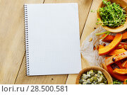 Купить «Fresh Organic Vegetable Frame on a Wooden Background with Space For Your Text», фото № 28500581, снято 30 ноября 2013 г. (c) Ingram Publishing / Фотобанк Лори