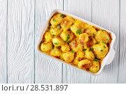 Купить «potatoes with cheddar cheese butter sauce», фото № 28531897, снято 18 мая 2018 г. (c) Oksana Zh / Фотобанк Лори