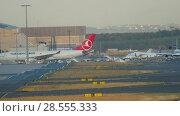 Купить «Frankfurt airport traffic», видеоролик № 28555333, снято 21 июля 2017 г. (c) Игорь Жоров / Фотобанк Лори