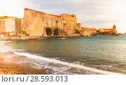 Купить «Medieval Royal castle in Collioure», фото № 28593013, снято 11 мая 2017 г. (c) Яков Филимонов / Фотобанк Лори