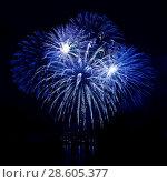 Купить «Celebratory firework in a night sky», фото № 28605377, снято 15 октября 2018 г. (c) ElenArt / Фотобанк Лори