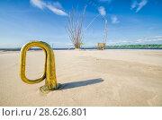 Купить «Труба на пляже», фото № 28626801, снято 7 июля 2017 г. (c) Яковлев Сергей / Фотобанк Лори