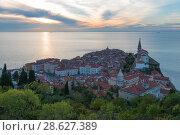 Купить «Sunset and calm sea in Piran, Slovenia», фото № 28627389, снято 17 сентября 2016 г. (c) Игорь Овсянников / Фотобанк Лори
