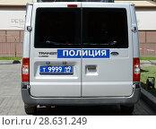 Купить «Полицейский микроавтобус с цифрой 9 на регистрационном номере в центре Москвы», фото № 28631249, снято 9 мая 2018 г. (c) Free Wind / Фотобанк Лори