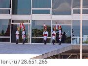 Купить «Guard Presidential, Horsemen of the Independence in the Palace of the Plateau, Distrito Federal, Brasília, Brazil», фото № 28651265, снято 14 июля 2005 г. (c) age Fotostock / Фотобанк Лори