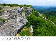 Вид с горы Мангуп на долину, Крым (2018 год). Стоковое фото, фотограф Natalia Sidorova / Фотобанк Лори