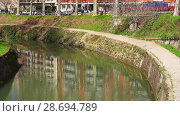 Купить «Canal de Brienne in Toulouse,France», видеоролик № 28694789, снято 8 апреля 2018 г. (c) BestPhotoStudio / Фотобанк Лори