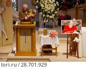 The funeral of legendary actress Zsa Zsa Gabor at the Church of the... (2016 год). Редакционное фото, фотограф Valerie Brooks / WENN.com / age Fotostock / Фотобанк Лори