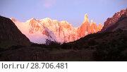 Купить «Glaciers and mountains Fitz Roy, Cerro Torre», фото № 28706481, снято 1 февраля 2017 г. (c) Яков Филимонов / Фотобанк Лори