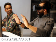 Купить «creative man in virtual reality headset at office», фото № 28773501, снято 24 января 2018 г. (c) Syda Productions / Фотобанк Лори