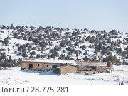Купить «Lonely farm surrounded by snow in the mountains of Aragon, Spain», фото № 28775281, снято 21 октября 2018 г. (c) age Fotostock / Фотобанк Лори