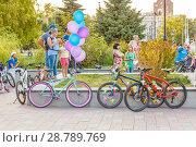 Купить «Russia, Samara, July 2017: Women's beautifully decorated bicycles waiting for their owners », фото № 28789769, снято 20 августа 2017 г. (c) Акиньшин Владимир / Фотобанк Лори