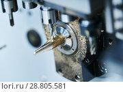 Купить «Milling metalworking. CNC metal machining by vertical mill. Coolant and lubrication», фото № 28805581, снято 16 мая 2018 г. (c) Дмитрий Калиновский / Фотобанк Лори