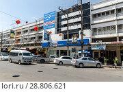 Купить «Городские улицы провинциального города Жилые здания и магазины. Таиланд, Краюби», фото № 28806621, снято 17 февраля 2013 г. (c) Игорь Рожков / Фотобанк Лори