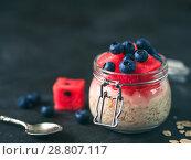 Купить «overnight oats with berries», фото № 28807117, снято 17 июля 2018 г. (c) Ольга Сергеева / Фотобанк Лори