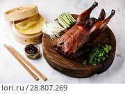 Купить «Утка по-пекински», фото № 28807269, снято 25 июня 2018 г. (c) Лисовская Наталья / Фотобанк Лори
