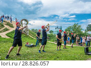Купить «Brass band plays at the festival of cucumber 14.07.2018 in Suzdal, Vladimir region, Russia.», фото № 28826057, снято 14 июля 2018 г. (c) Валерий Смирнов / Фотобанк Лори