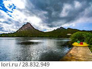 Купить «Казахстан. Озеро Боровое», фото № 28832949, снято 10 июня 2017 г. (c) Сергеев Валерий / Фотобанк Лори
