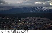 Купить «Ночной летний вид на город Петропавловск-Камчатский, вулкан Корякская сопка», видеоролик № 28835049, снято 27 июля 2018 г. (c) А. А. Пирагис / Фотобанк Лори