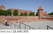 Купить «Video of medieval Malbork Castle in the Poland.», видеоролик № 28840905, снято 13 мая 2018 г. (c) Яков Филимонов / Фотобанк Лори