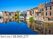 Купить «Красивая средневековая архитектура домов в фламандском стиле. Гент. Бельгия», фото № 28843277, снято 6 мая 2018 г. (c) Сергей Афанасьев / Фотобанк Лори