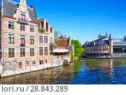 Купить «Красивая средневековая архитектура домов в фламандском стиле. Набережные Граслей и Коренлей. Гент. Бельгия», фото № 28843289, снято 6 мая 2018 г. (c) Сергей Афанасьев / Фотобанк Лори