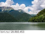 Купить «Абхазия. Озеро Рица летним днём», эксклюзивное фото № 28860453, снято 5 июня 2018 г. (c) Игорь Низов / Фотобанк Лори