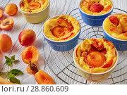 Купить «french summer dessert - Baked apricot clafoutis», фото № 28860609, снято 22 июля 2018 г. (c) Oksana Zh / Фотобанк Лори