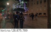 Купить «Evening in the city. People walking in Parisian street, France», видеоролик № 28875789, снято 29 сентября 2017 г. (c) Данил Руденко / Фотобанк Лори