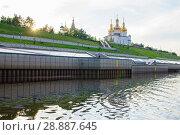Купить «Tura River Embankment in Tyumen, Russia. Holy Trinity Monastery.», фото № 28887645, снято 2 августа 2018 г. (c) Землянникова Вероника / Фотобанк Лори