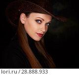 Купить «beautiful girl in cowboy hat», фото № 28888933, снято 11 мая 2018 г. (c) Александр Лычагин / Фотобанк Лори
