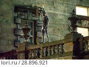 Купить «Film crew and stuntmen prepare for the filming of the upcoming movie 'Avengers: Infinity War' on the Royal Mile in Edinburgh Featuring: Stuntman Where...», фото № 28896921, снято 31 марта 2017 г. (c) age Fotostock / Фотобанк Лори