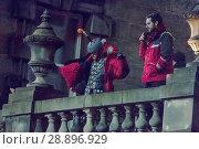 Купить «Film crew and stuntmen prepare for the filming of the upcoming movie 'Avengers: Infinity War' on the Royal Mile in Edinburgh Featuring: Stuntman Where...», фото № 28896929, снято 31 марта 2017 г. (c) age Fotostock / Фотобанк Лори