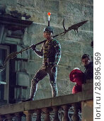 Купить «Film crew and stuntmen prepare for the filming of the upcoming movie 'Avengers: Infinity War' on the Royal Mile in Edinburgh Featuring: Stuntman Where...», фото № 28896969, снято 31 марта 2017 г. (c) age Fotostock / Фотобанк Лори