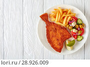 Купить «fried flounder with potato and salad», фото № 28926009, снято 30 июля 2018 г. (c) Oksana Zh / Фотобанк Лори