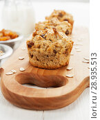 Купить «Diet oat muffins with raisins», фото № 28935513, снято 5 апреля 2018 г. (c) Надежда Мишкова / Фотобанк Лори