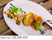 Купить «Grilled mushrooms with vegetables», фото № 28936437, снято 23 апреля 2019 г. (c) Яков Филимонов / Фотобанк Лори