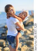 Купить «Children bathe in the sea», фото № 28937129, снято 7 июля 2018 г. (c) Типляшина Евгения / Фотобанк Лори