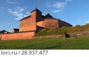 Купить «Панорама замка Хяме солнечным июльским утром. Хямеенлинна, Финляндия», видеоролик № 28937477, снято 24 июля 2018 г. (c) Виктор Карасев / Фотобанк Лори