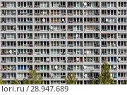 Berlin, Germany, facade of a residential building in Kreuzberg (2017 год). Редакционное фото, агентство Caro Photoagency / Фотобанк Лори