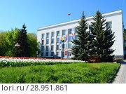 Купить «Zheleznovodsk, the building of the resort city administration», фото № 28951861, снято 13 ноября 2018 г. (c) Staryh Luiba / Фотобанк Лори