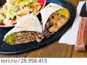 Купить «Plate with Mexican food», фото № 28958413, снято 6 апреля 2020 г. (c) Яков Филимонов / Фотобанк Лори