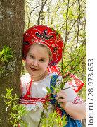 Купить «Портрет молодой женщины в кокошнике ранней весной», фото № 28973653, снято 8 декабря 2018 г. (c) Светлана Кузнецова / Фотобанк Лори
