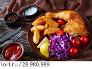 Купить «fried potato, chicken, coleslaw - dinner menu», фото № 28980989, снято 4 августа 2018 г. (c) Oksana Zh / Фотобанк Лори